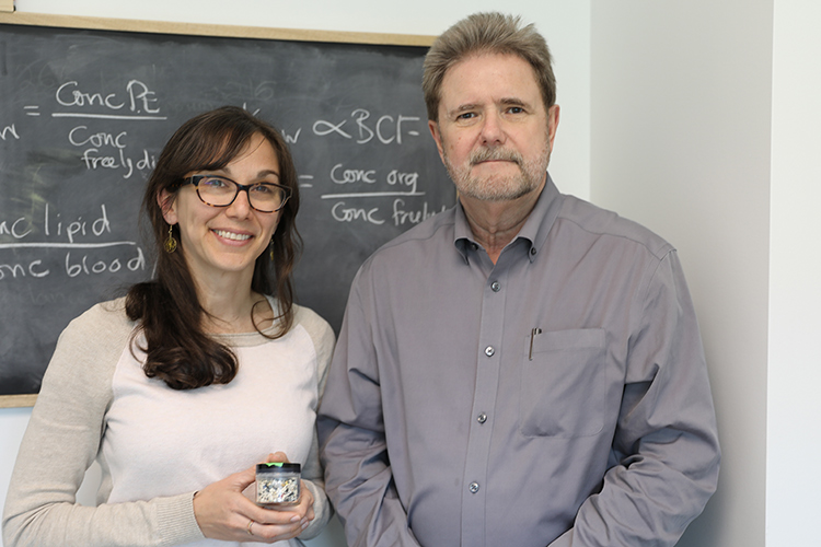 Chelsea Rochman and Bob Andrews have joined forces to develop new techniques for analyzing microplastics and nanoplastics in drinking water (photo by Tyler Irving)